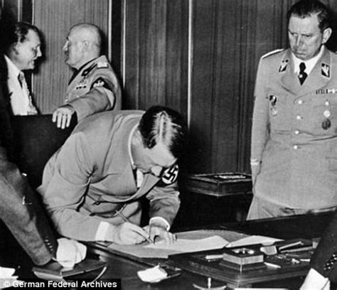 Munich Pact: Hitler desk set to sell for £600,000   Daily